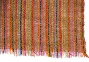 Cette écharpe est un vrai pashmina 100% cachemire tissé à la main avec du pur pashmina cachemire récolté sur les chèvres du Ladakh.