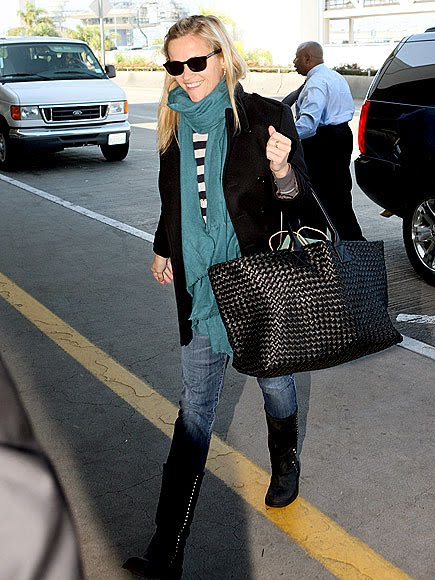 celebrities and pashminas : Reese Witherspoon