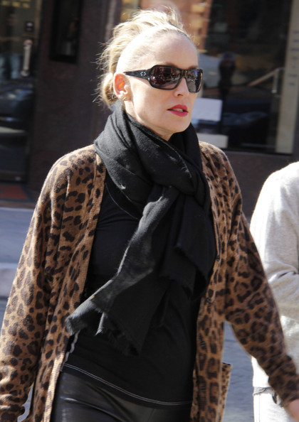celebrities and pashminas : sharon stone