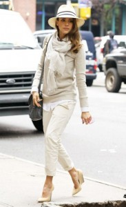 celebrities and pashminas : jessica alba