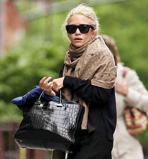 NON EXCLUSIVE May 8th 2012: Ashley Olsen and female friend seen going to office building in Tribeca, New York City, USA.