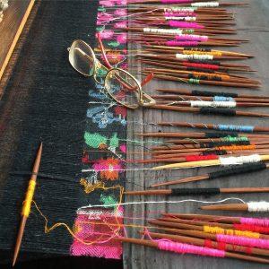 Le tissage kani : on appelle kani les bâtonnets de bois