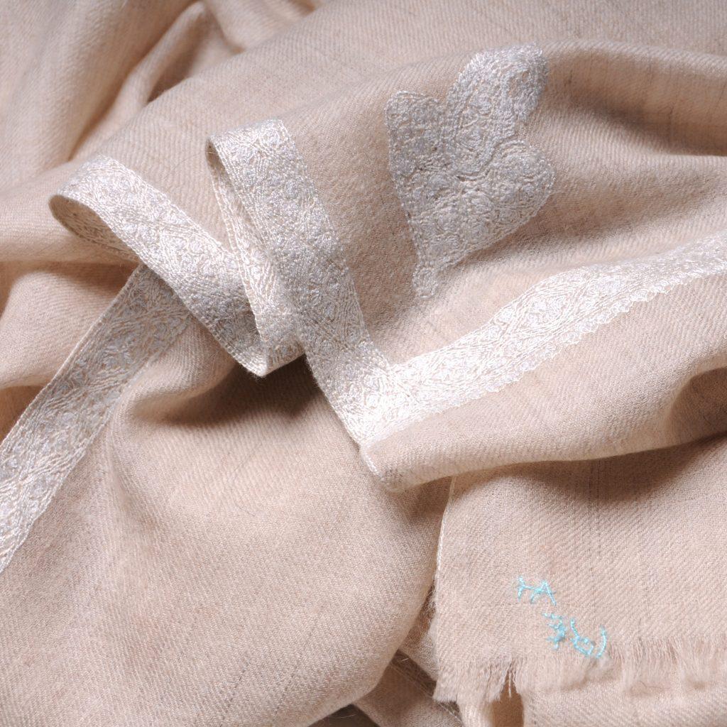 Châle véritable pashmina beige clair naturel brodé main