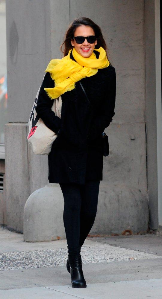 jessica alba pashmina jaune