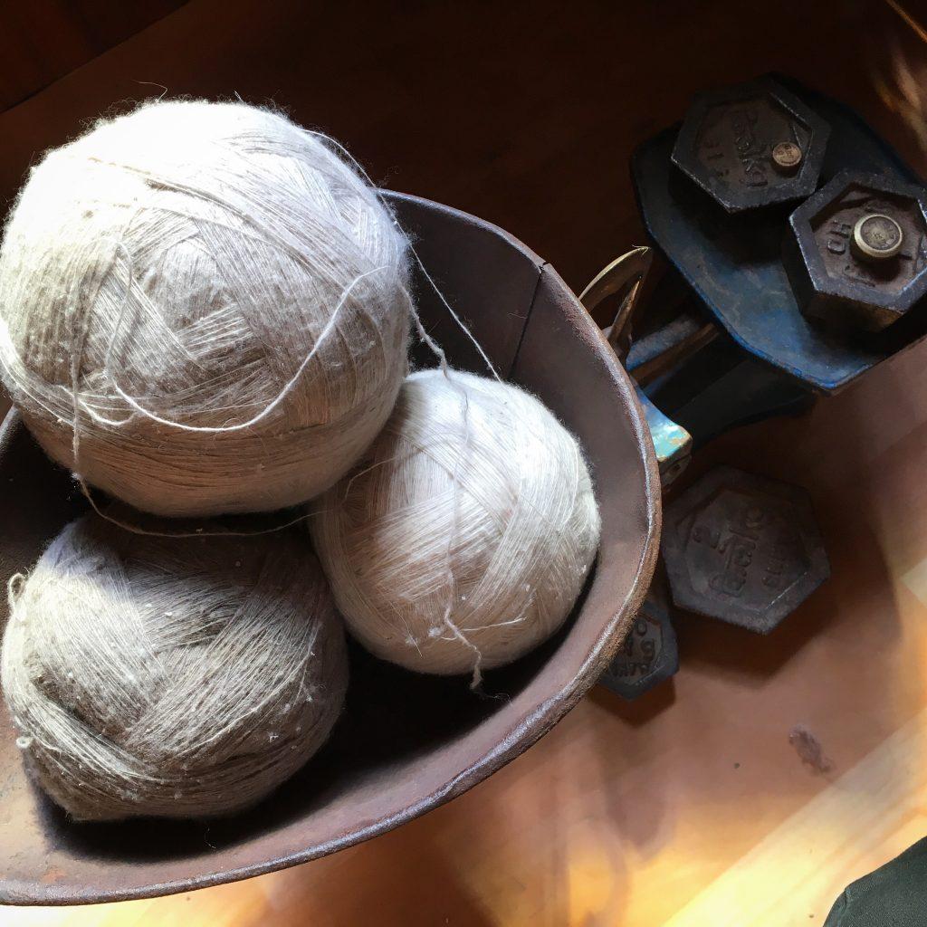 les 3 couleurs naturel du duvet de pashmina