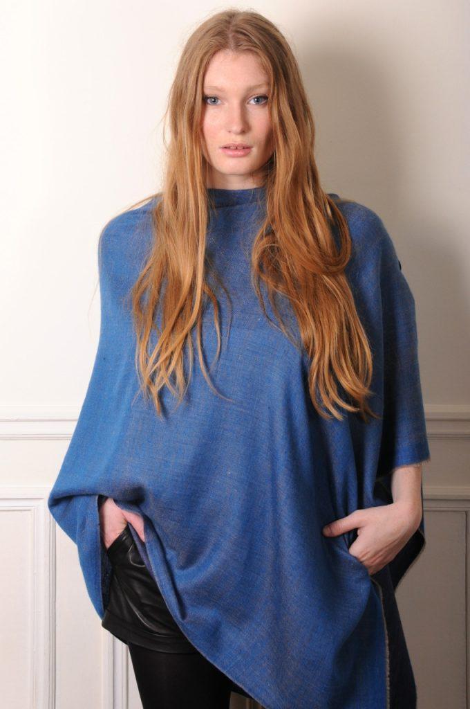 poncho véritable pashmina réversible bleu saphir et bleu marine