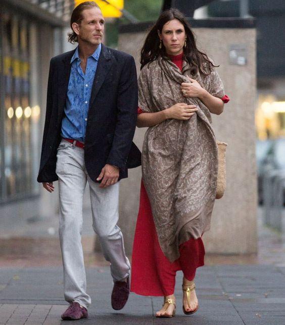 Tatiana Santo Domingo Casiraghi est fan de véritables pashminas brodés