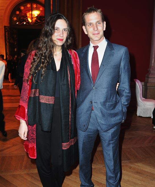 Tatiana Santo Domingo Casiraghi aimes les véritables pashminas brodés