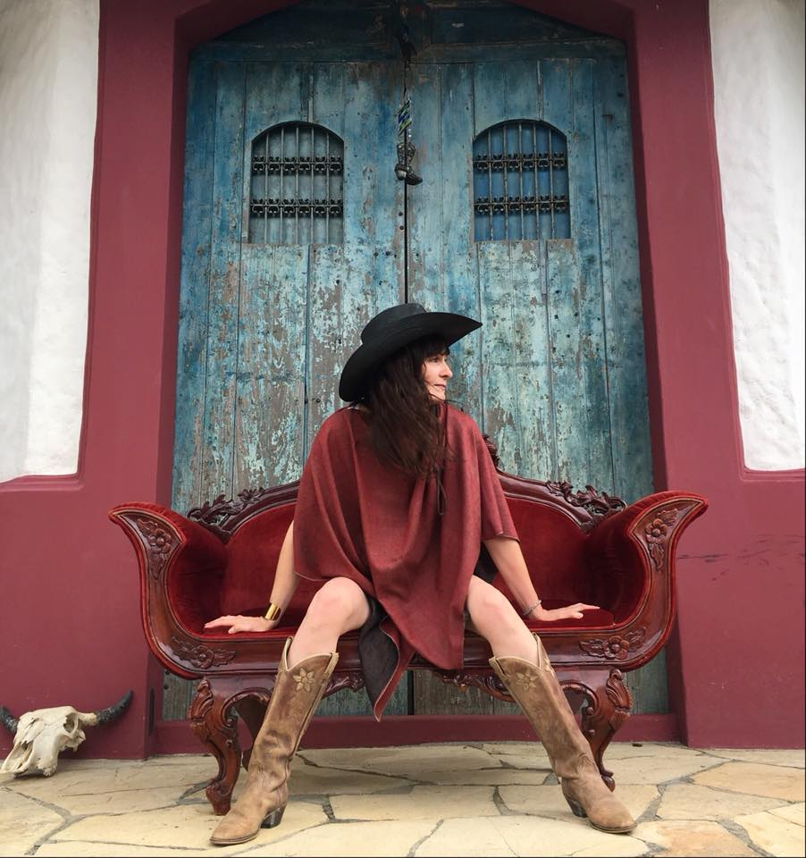luxury cowboy poncho in pure handwoven himalayan cashmere