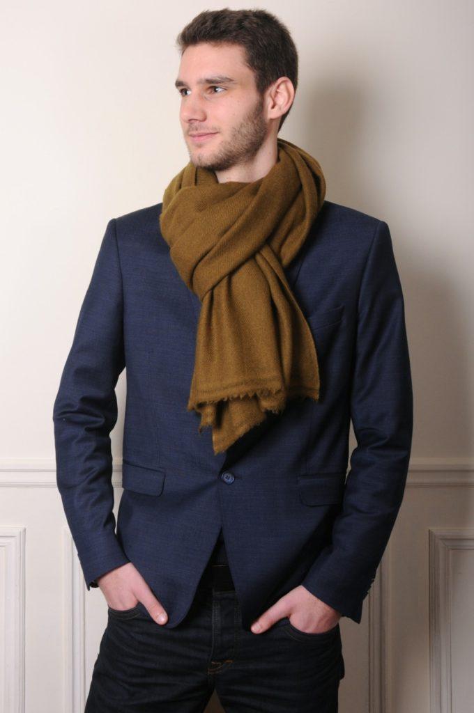 100% mongolian cashmere scarf in khaki