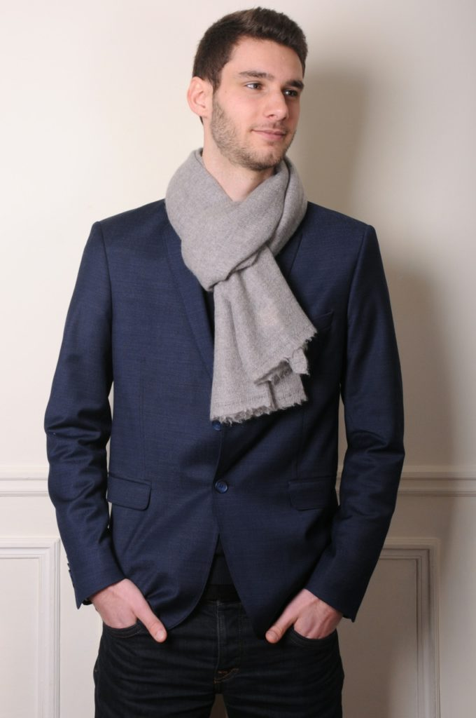 handwoven cashmere scarf from Nepal
