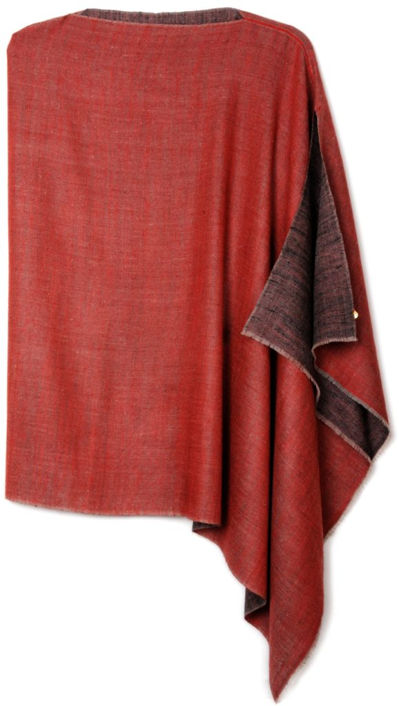 poncho pashmina en pur cachemire bicolore noir et rouge