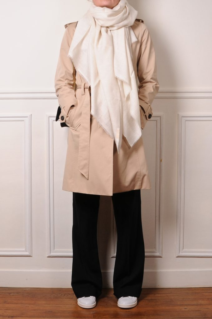 wich pashmina with a trench